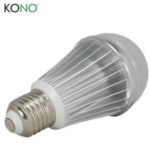 Bóng đèn led nhiều màu sắc điều khiển từ xa KN-FUT16 thông minh