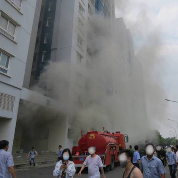 Cháy chung cư Carina Plaza