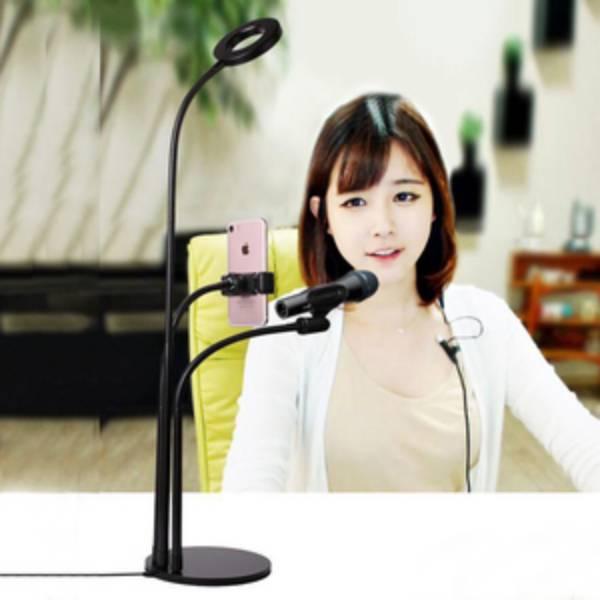 Giá đỡ điện thoại livestream có đèn 3 in 1